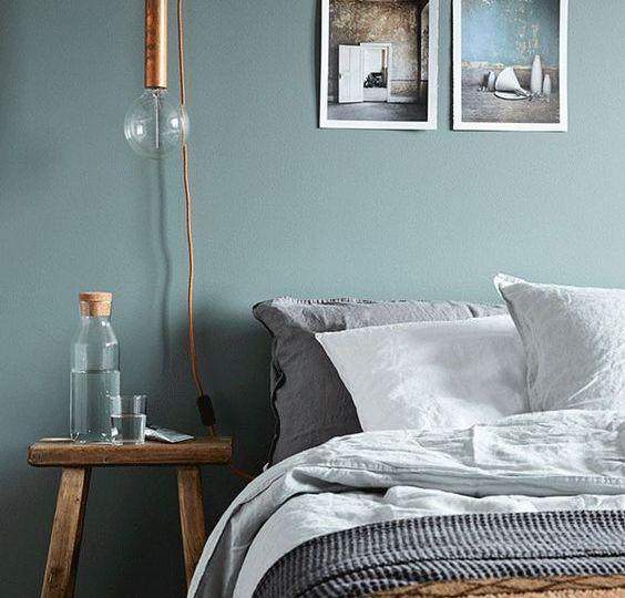 È il colore del mare, ideale per le stanze dedicate al relax e alla cura di sé,come la stanza da bagno. Camera Da Letto Il Colore Giusto Per La Parete Dietro Al Letto We Are Color