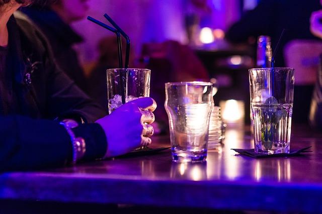 Bar-Drinking