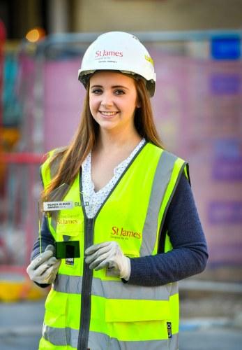 Rachel Darvall with Women in Build award 311016