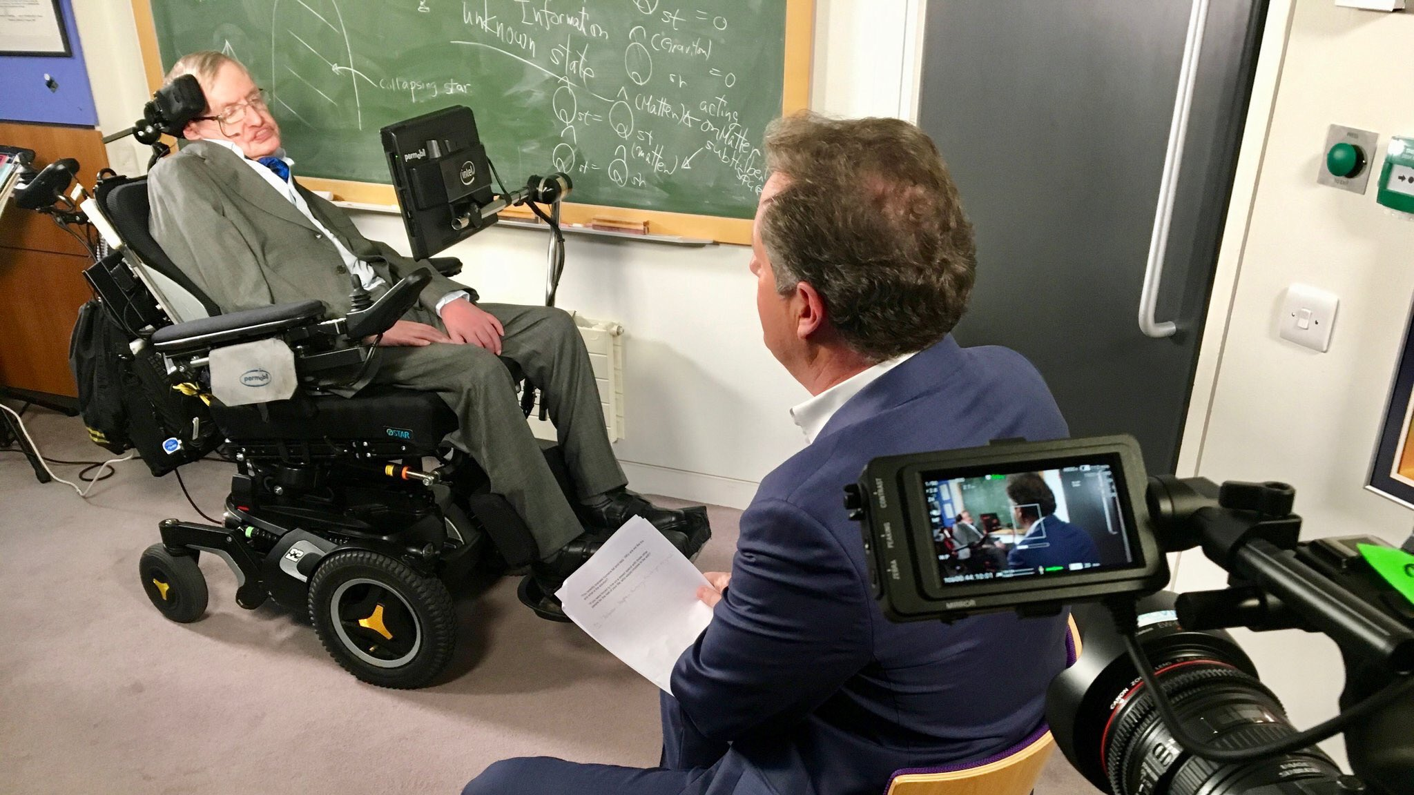 Stephen Hawking fears he's not welcome in Trump's America