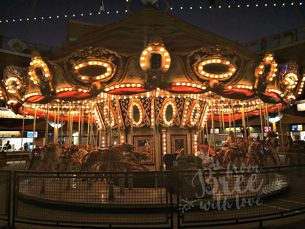 detroit-tigers-game-comerica-park-carousel