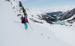 Cat Ekkelboom-White Off-piste skiing in Kuhtai in Austria by Menno Ekkelboom
