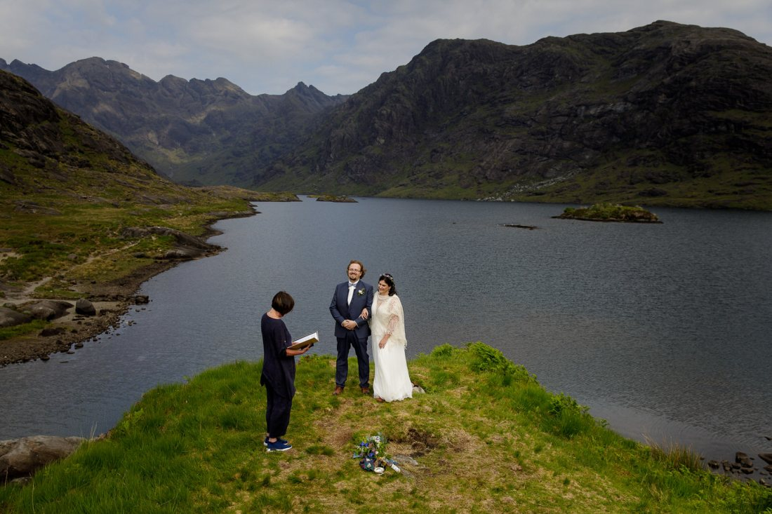 An elopement ceremony on Loch Coruisk on the Isle of Skye by Lynne Kennedy Photography