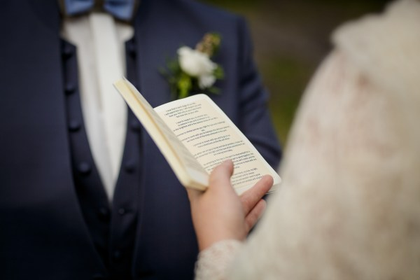 Tina reads her vows to Jürgen by Lynne Kennedy Photography