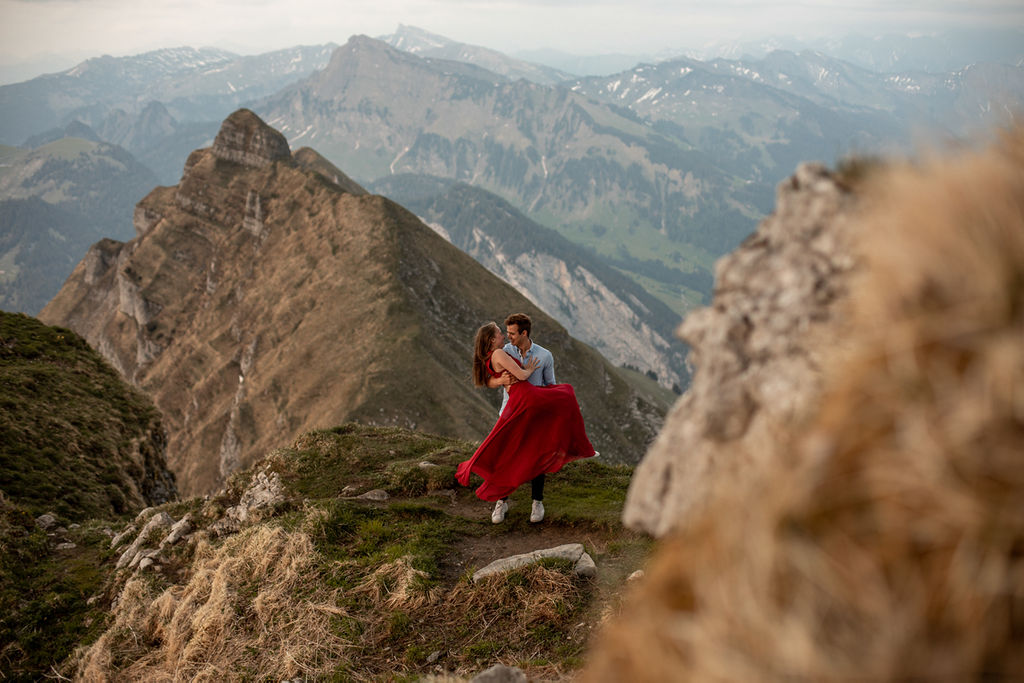 Romantic Photoshoot in Austrian Mountains