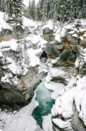 AthabascaFalls-canada winter