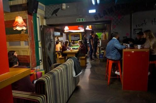 Clink 78 hostel bar ruimte poolen