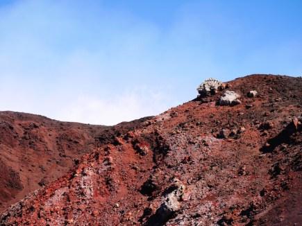 Etna vulkaan roodbruin gesteente