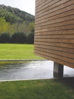 Furnas-Lake-Villas-design-hotel-zijkant