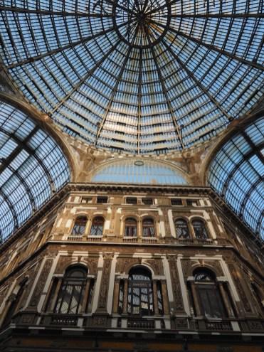 bezienswaardigheden Galleria Umberto Napels