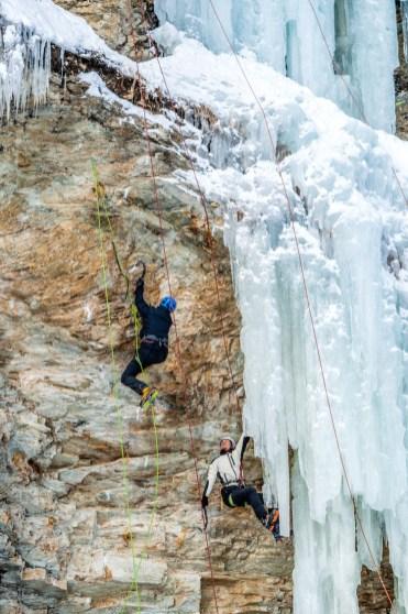 IJsklimmen in Oostenrijk rots ijswand