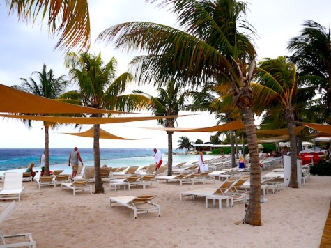 Jan thiel beach strand curacao