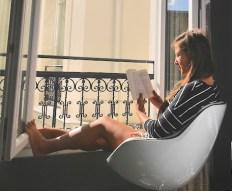 Ochtendritueel parijs legend hotel balkon