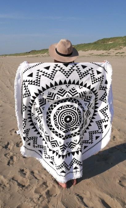 Round towel handdoek hipps