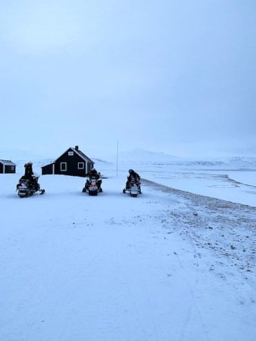 Spitsbergen met sneeuwscooter