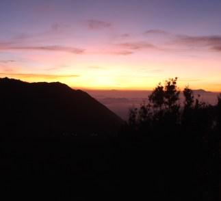Zonsopgang bij Mount Bromo Vulkaan java