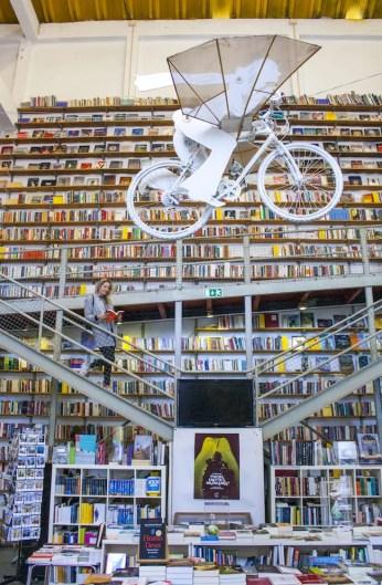 bibliotheek in LX Factory