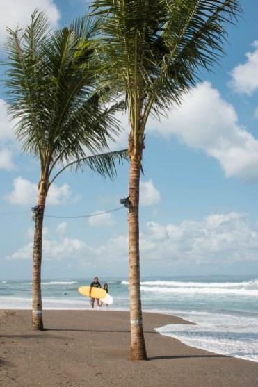 canggu beach surfen