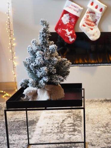 de-kerstsuite-in-heerlen-boompje-haardvuur