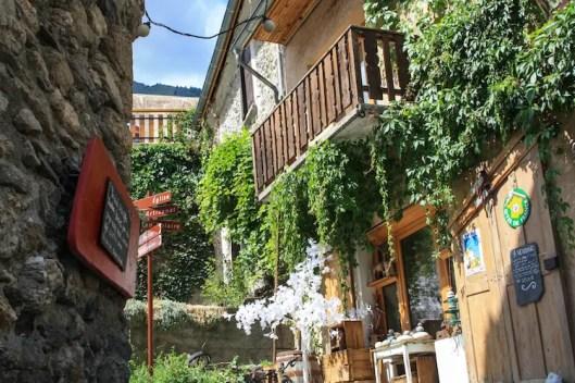 dorpje franse alpen