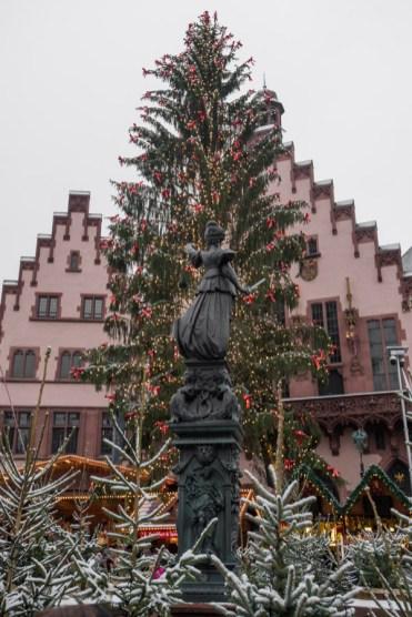 kerstboom frankfurt op Römerberg