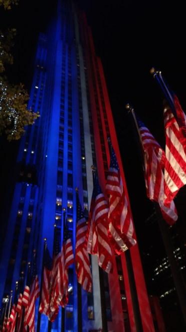 rood-blauw-licht-in-new-york-tijdens-verkiezingen