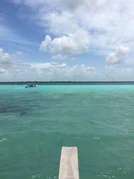tinten blauw mexico meer bacalar