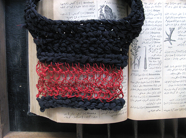 Red paper yarn and silk necklace