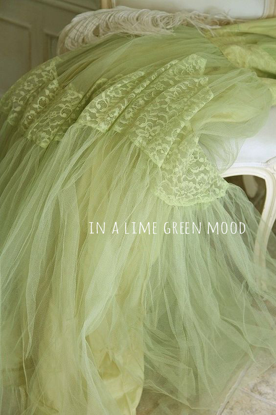 Sunday Visual Diary #06: In a lime green mood