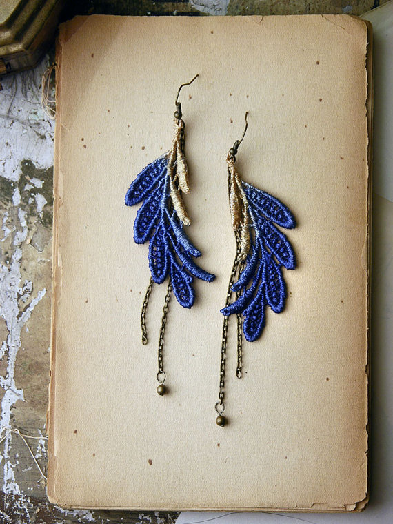feather earrings-white owl