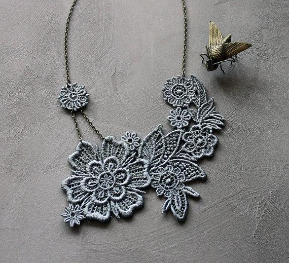 white owl romantic lace neckpiece