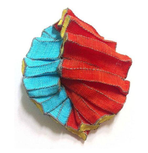 mina kang brooch blue red