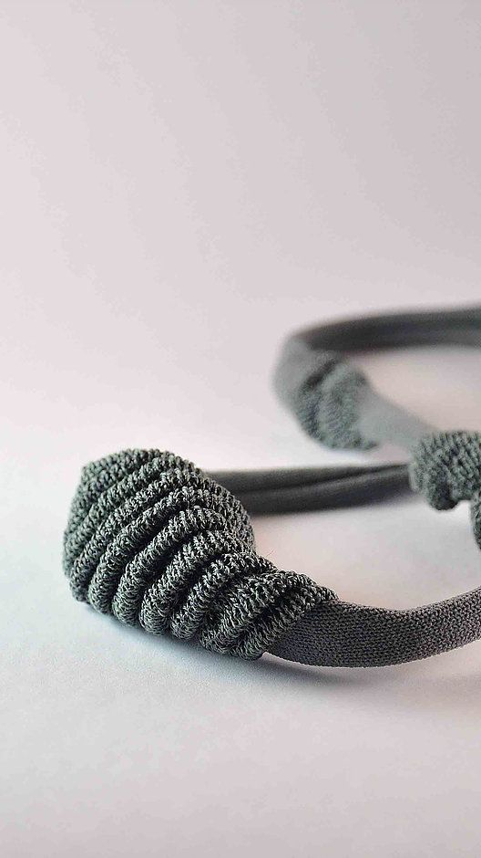 Frederique Coomans knitted necklace detail