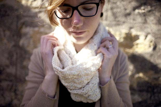 shesowsseeds shell stitch cowl 02