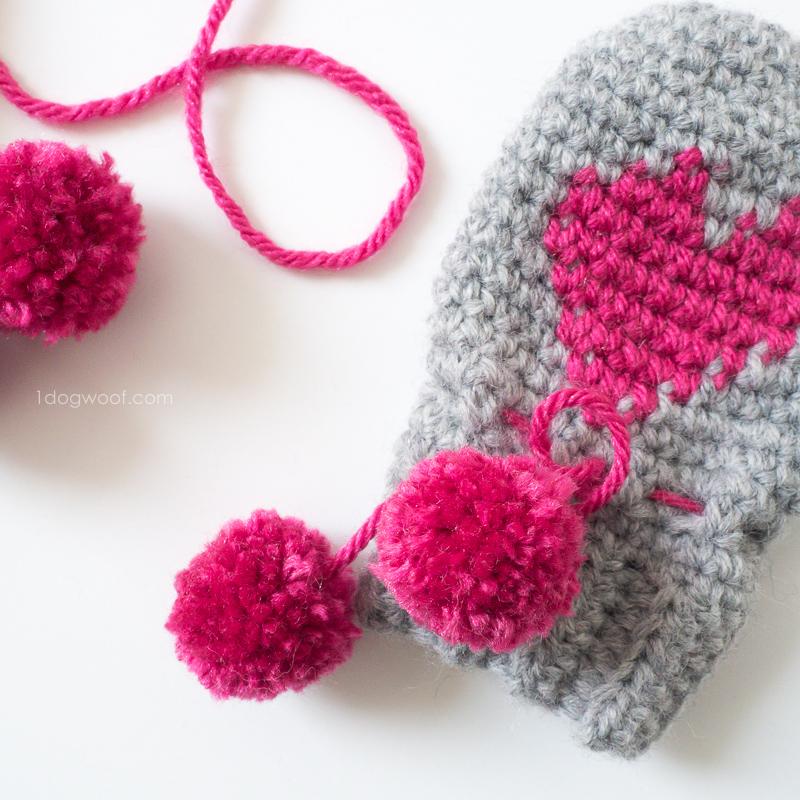 Valentine's Yarn crochet heart mittens 02