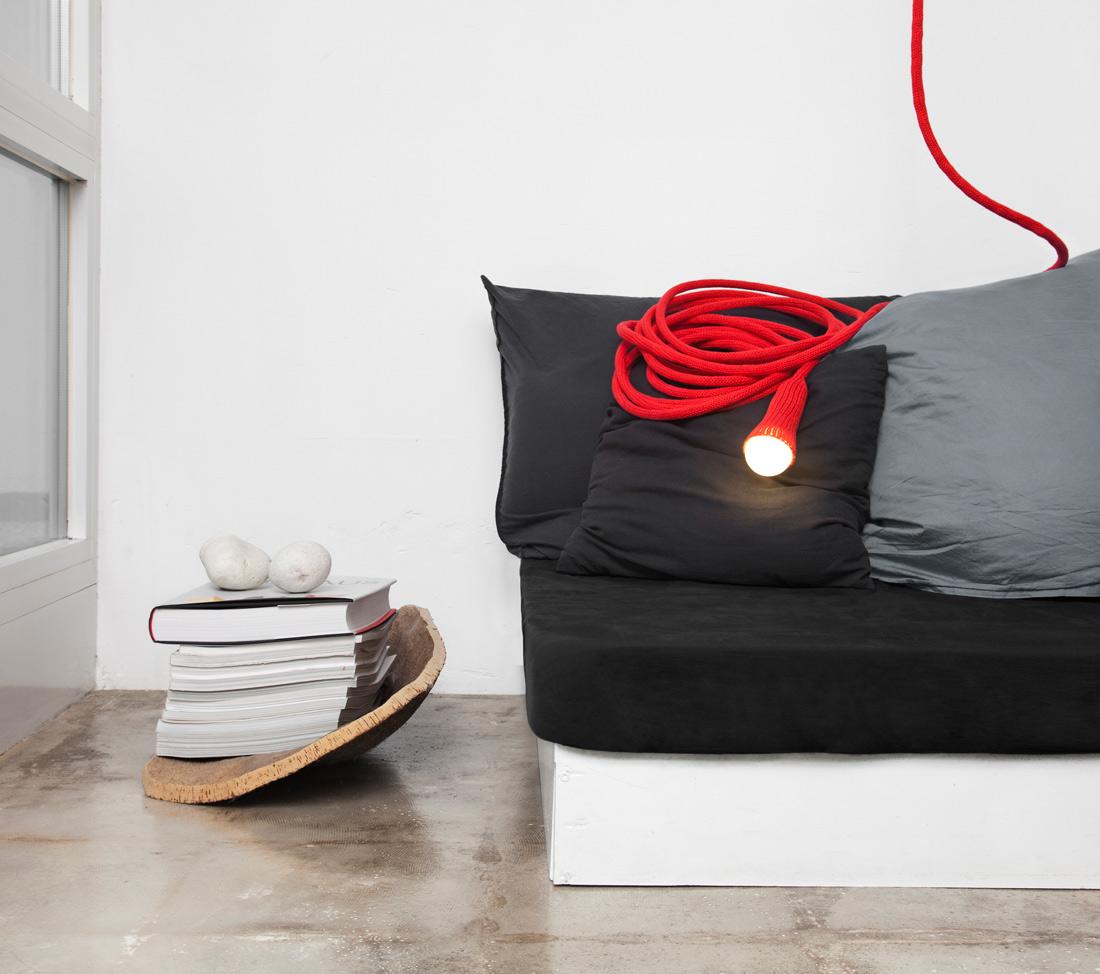LLOT LLOV design studio knitted light in red