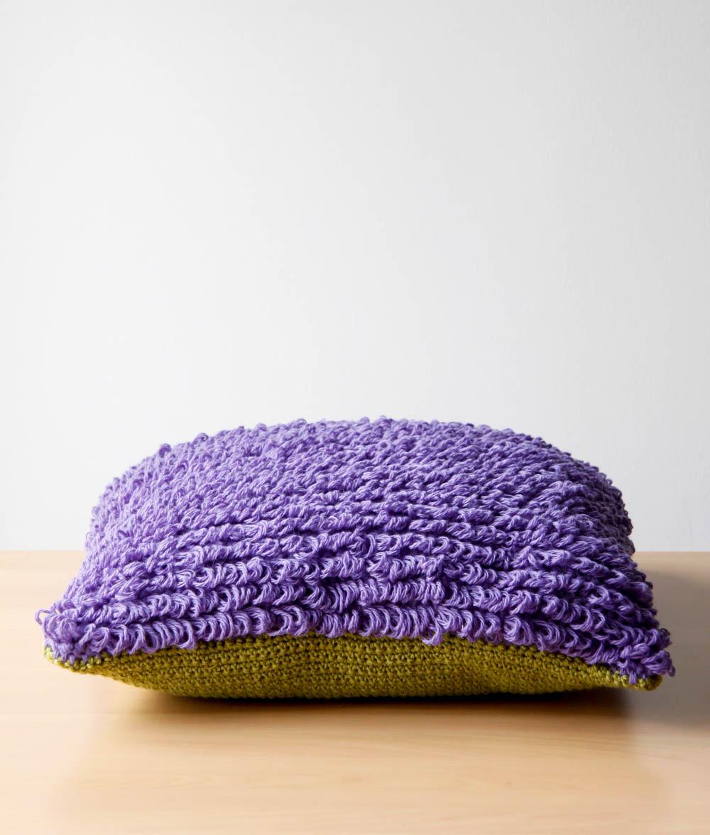 Oloop Design Studio pillow 01
