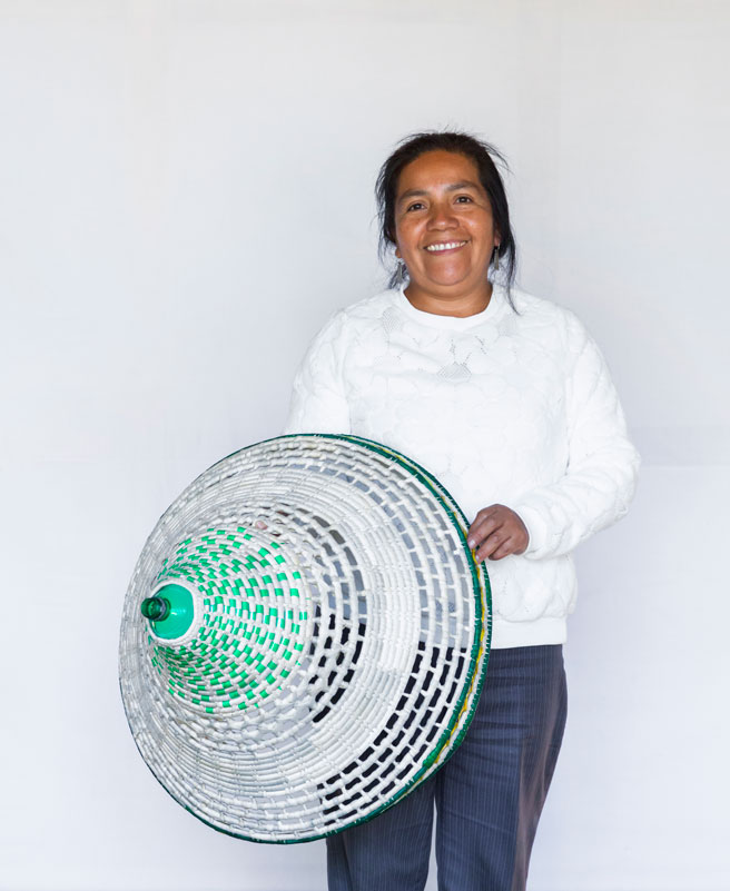 Alvaro Catalán de Ocon Pet lamp Mapuche 07