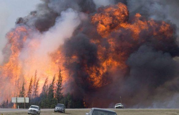 The Fort McMurray Wildfire rages in Alberta, Canada. Credit: The Star and CP
