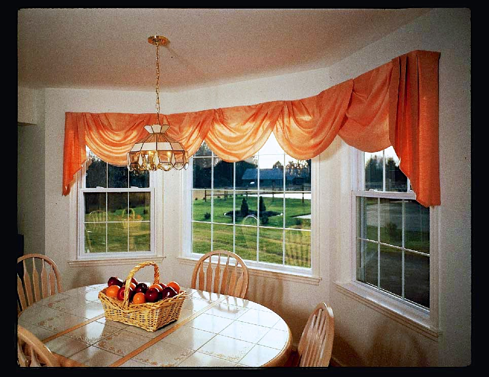 Double Hung Windows Flank Picture Window