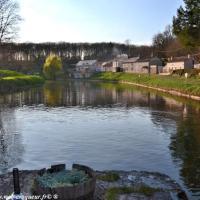 """Port Brûlé du canal du Nivernais """"Le pays du """"flottage"""""""