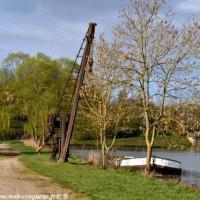 La Grue du canal de Gimouille - Canal du Nivernais