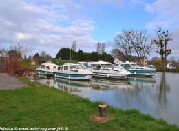 Port de Plagny du Canal du Nivernais