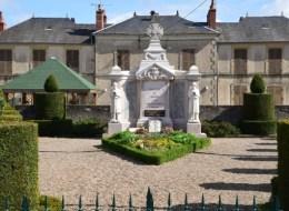Monument aux Morts de Châtillon en Bazois