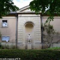 Statue de Poil de Carotte à Clamecy - Jules Renard