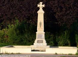 Monument aux Morts de Parigny les Vaux