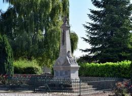 Monument aux morts de Saint Jean Aux Amognes