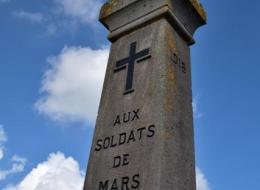 Monument aux Morts de Mars sur Allier