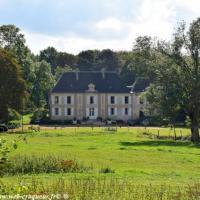 Le Château de Tâches de Saint Parize le Châtel