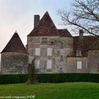 Château de Verneuil - Château médiéval de Verneuil